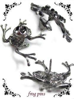 画像2: 【新品】 かえるピンバッジ(シルバー) (brooch/silver)