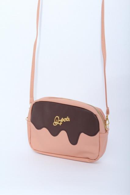 Q-pot. / メルティストロベリーチョコレートバッグ