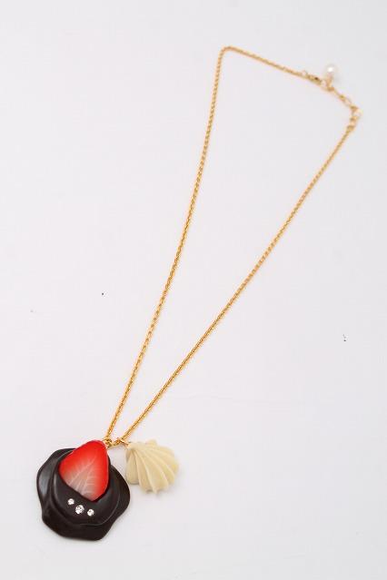 Q-pot. / Strawberry Melt Chocolat ネックレス
