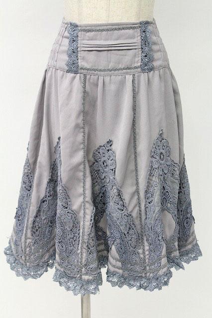 Rozen Kavalier / エンブロイダリーレーススカート