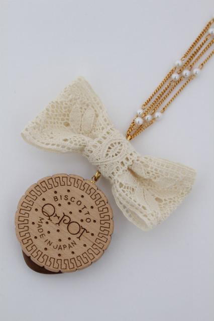 Q-pot. / Round Milk Biscuit Necklace(Lace Ribbon)