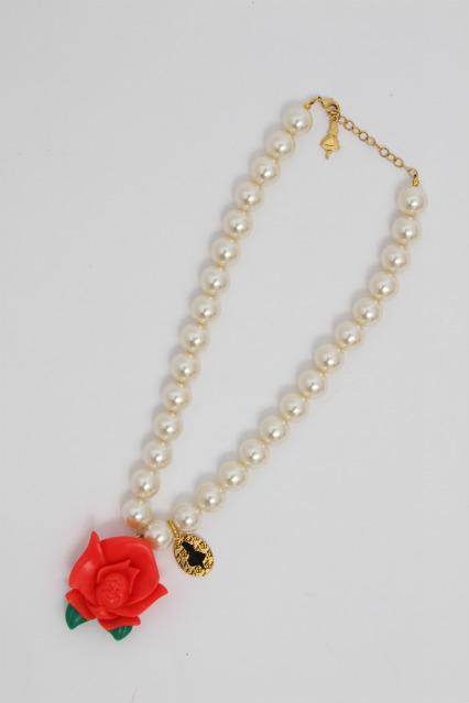 Q-pot. / Singing Rose Pearl Necklace