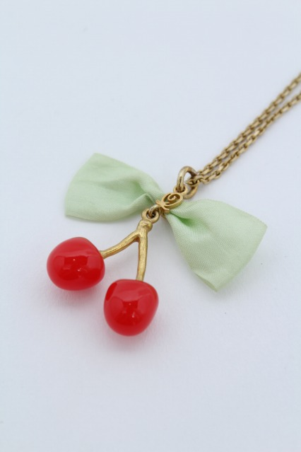 Q-pot. / Cherry Syrup Necklace